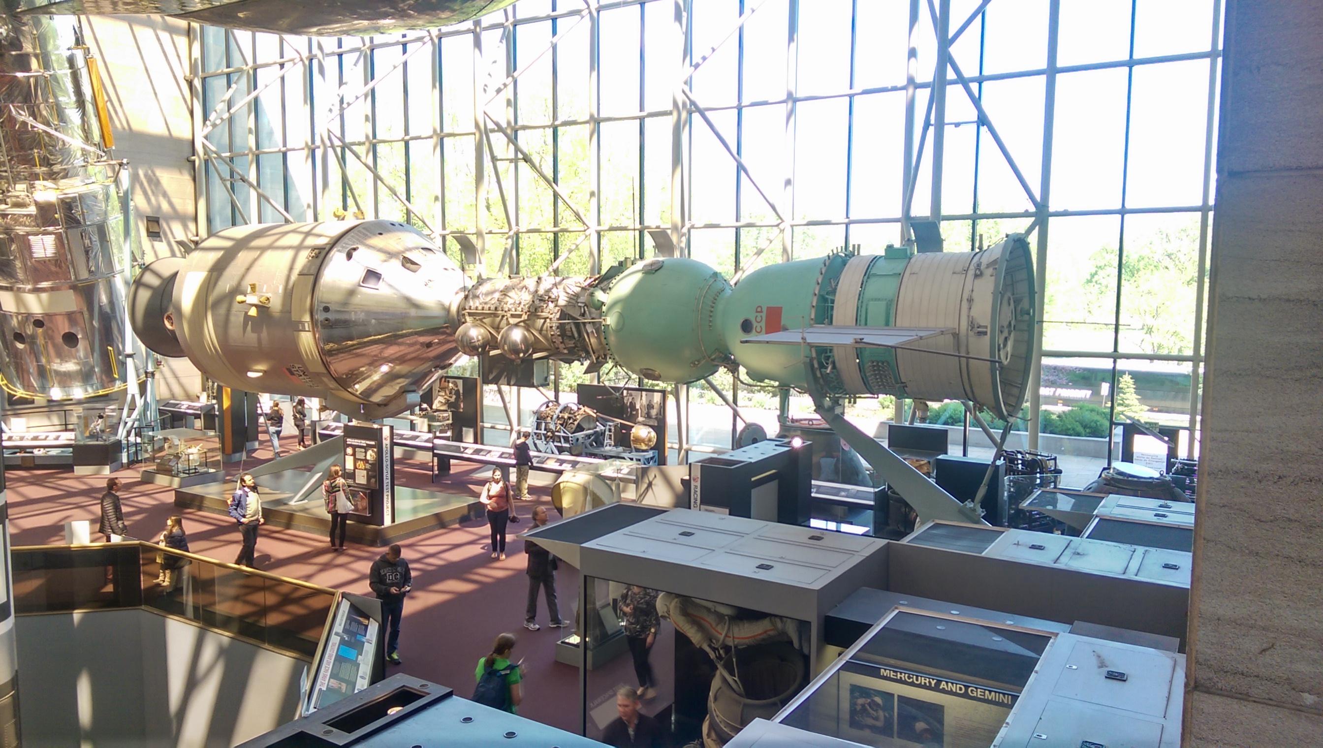 Apollo-Soyuz Test Project - (15-24.07.1975) 2015-04-26-Apollo-Soyuz-3